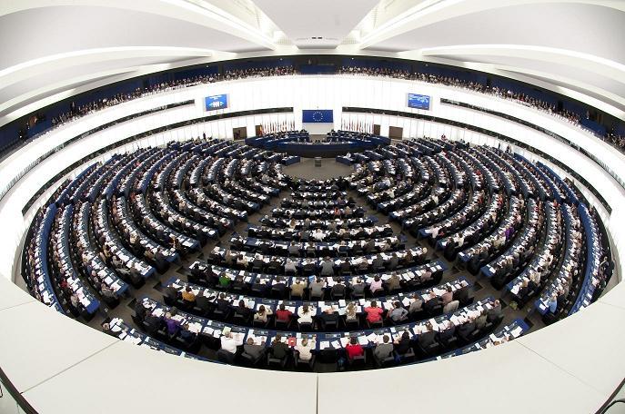 PE/Posłowie: Jest nadzieja dla Ukrainy, ale UE musi przeciwstawiać się Rosji