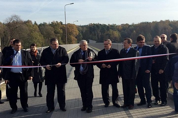 Otwarcie nowo wyremontowanej zapory na zalewie w Gołuchowie