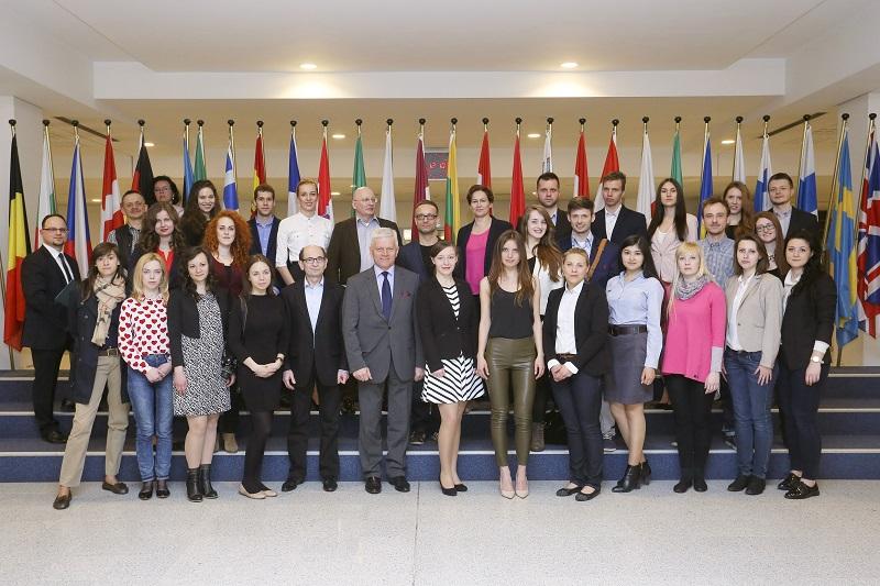 STUDENCI INTERNATIONAL RELATION WYDZIAŁU NAUK POLITYCZNYCH I DZIENNIKARSTWA UAM Z WIZYTĄ STUDYJNĄ W BRUKSELI